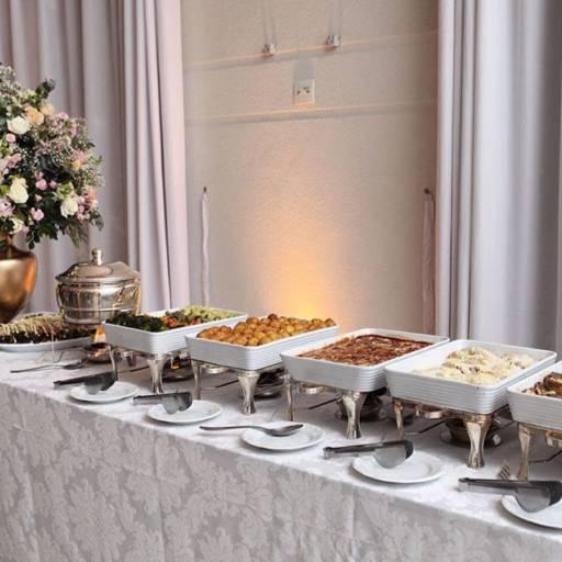 Mesa de Jantar Completa para Casamento  por Fazan Buffet