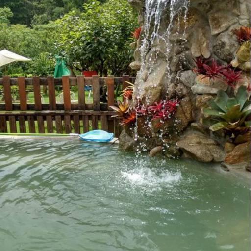 Cascatas em Atibaia, SP por Flora Mirela