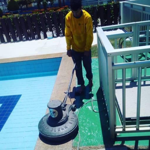 Limpeza de pisos por Control Ambiental