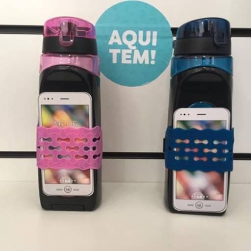 Comprar o produto de Garrafa Adaptável Celular  em Personalizados pela empresa Ateliê Kelly Mendonça em Aracaju, SE por Solutudo