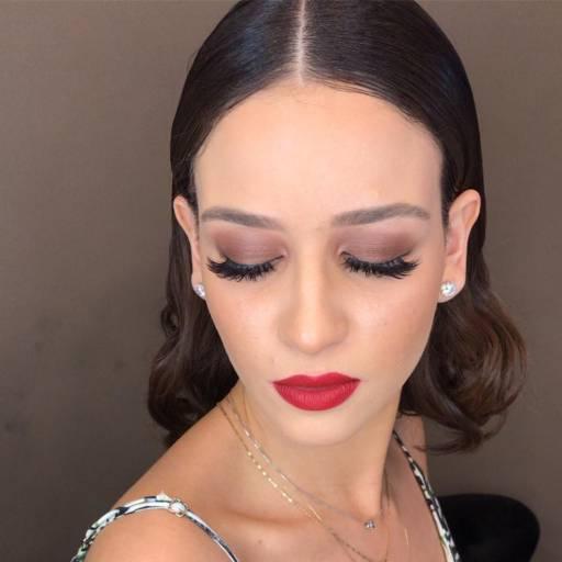 Comprar o produto de Maquiagem  em Beleza, Estética e Bem Estar pela empresa Vie de Luxe em Bauru, SP por Solutudo