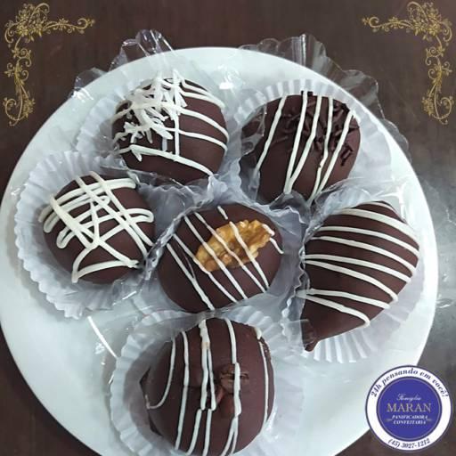 Comprar o produto de Bombom de Chocolate  em Bolos e Doces pela empresa Famiglia Maran Panificadora, Confeitaria e Restaurante 24h em Foz do Iguaçu, PR por Solutudo
