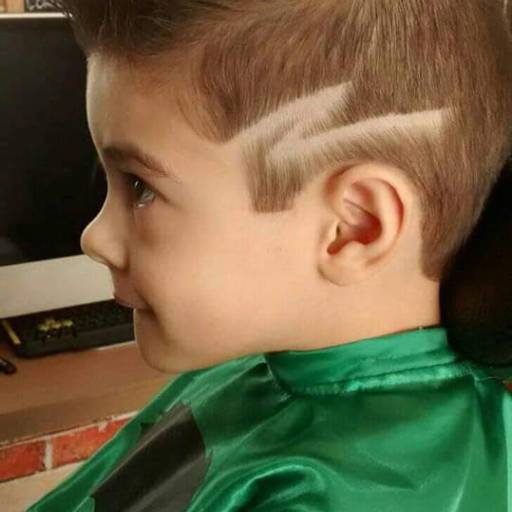 Comprar o produto de Corte Kids em Cabeleireiros pela empresa Dinard's Hair Fashion em Bauru, SP por Solutudo