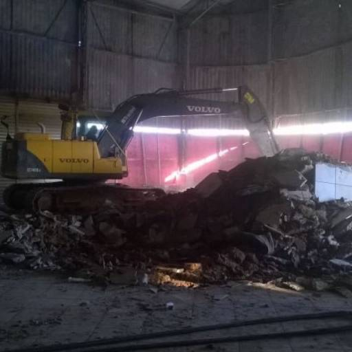 Demolição por Big Entulho