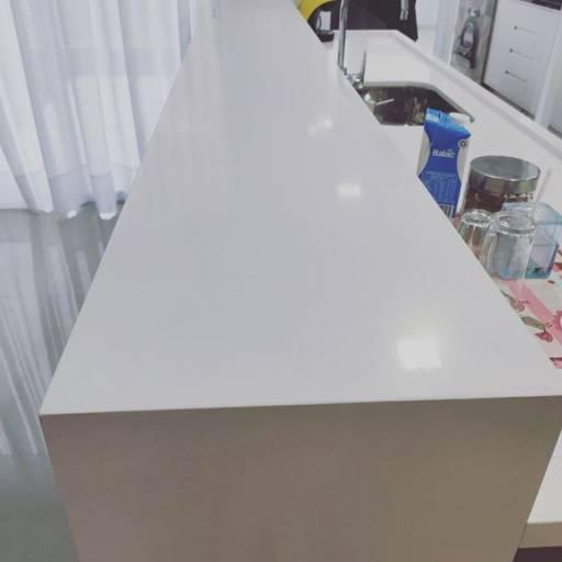 Cozinha em Silestone White Storm por Copedras Marmoraria