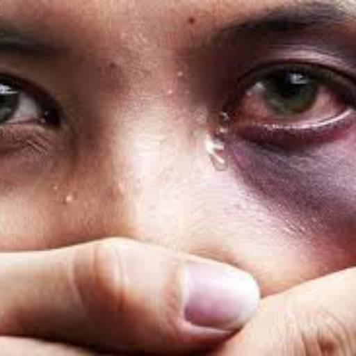 Violência domestica e intrafamiliar por Acácia Gardênia Santos Lelis