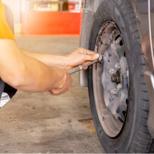Troca de pneu de carro por Didha Borracharia