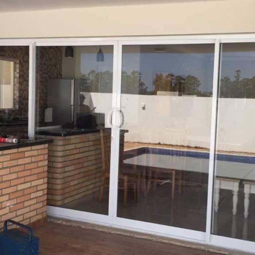 Comprar o produto de Portas em Vidro em Vidraçaria pela empresa Top Glass House Vidraçaria em Botucatu, SP por Solutudo