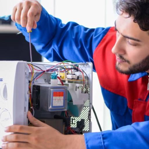 Conserto de microondas por Eletro Qualitty - Assistência técnica em Lavadoras e Geladeiras