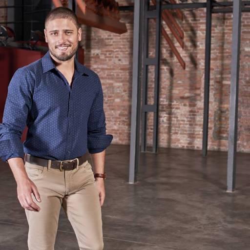 Camisas Sociais  por Lojas Conceito Confecções e Calçados - Vestindo e Calçando Toda a Família