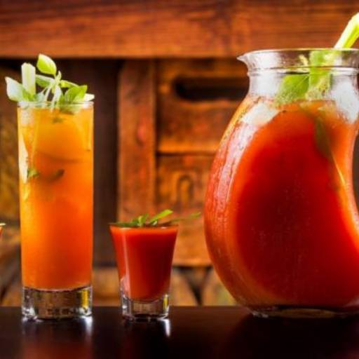 Bloody Mary (jarra)  em Atibaia, SP por Compostela Grill