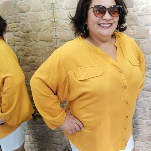 Comprar a oferta de CAMISA MOSTARDA, GOLA PADRE (G3) em Moda Plus Size pela empresa Bella Plus em Botucatu, SP por Solutudo