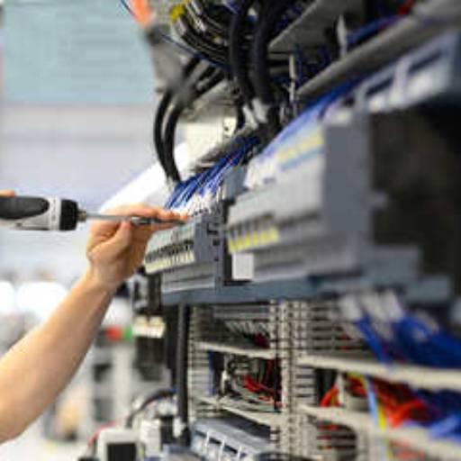 Comprar o produto de Instalação e Manutenção Elétrica em Suporte Técnico pela empresa Serralheria Alto Padrão em Tietê, SP por Solutudo