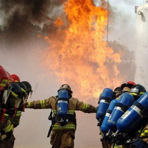 INSTALAÇÃO E MANUTENÇÃO DE REDE DE INCÊNDIO por Fire Maximus Equipamentos Contra Incêndio