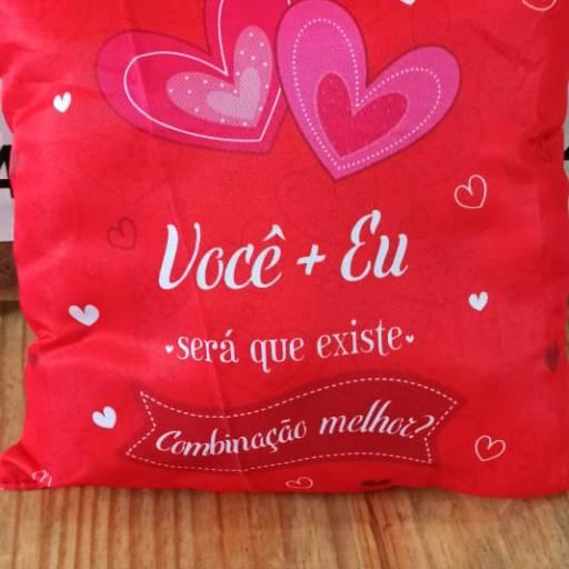 Almofadas presentes  em Foz do Iguaçu, PR por Floricultura 24hr Flores & Festas