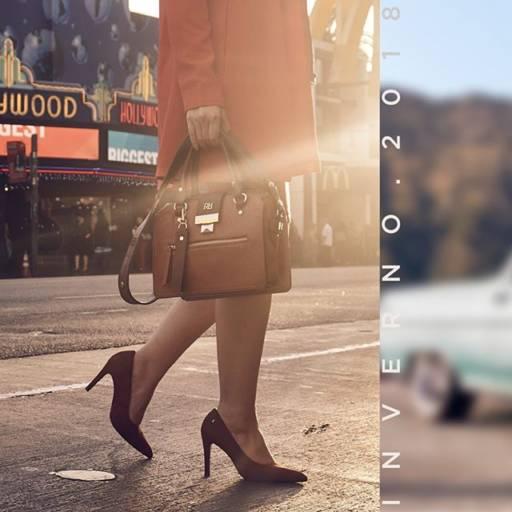 Comprar o produto de Bolsas Rafitthy em Feminino pela empresa Lojas Conceito Calçados e Acessórios - Vestindo e Calçando Toda a Família em Atibaia, SP por Solutudo