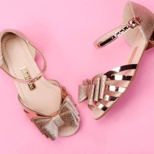 Comprar o produto de Calçados Molekinha em Feminino pela empresa Lojas Conceito Confecções e Calçados - Vestindo e Calçando Toda a Família em Atibaia, SP por Solutudo