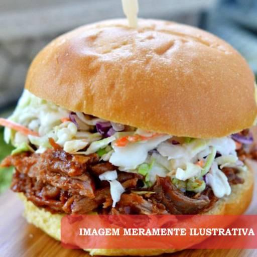 Lanche • X Carne Seca  em Atibaia, SP por Kasa de Taipa do Jabá
