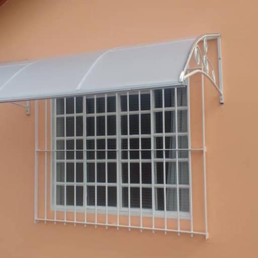 Toldo Fixo. ideal para portas e janelas. Tando de ferro e madeira