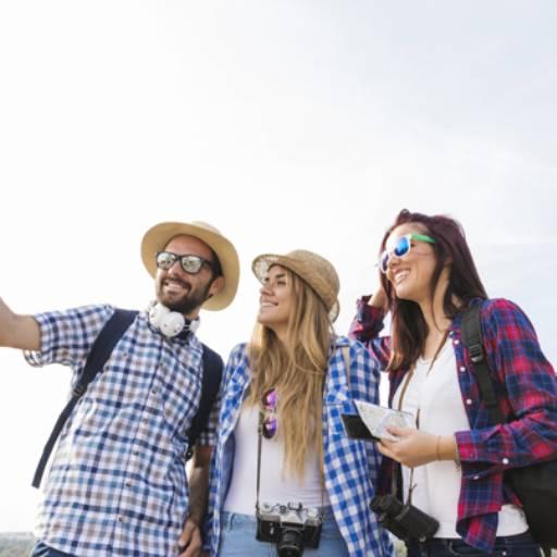 Comprar o produto de VIAGENS COM AMIGOS em Viagens e Turismo pela empresa Poltrona 1 Turismo - Nova Odessa em Americana, SP por Solutudo