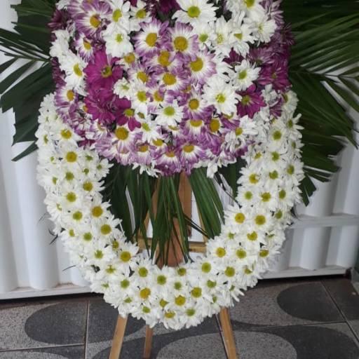 Coroa de Flores  em Foz do Iguaçu, PR por Floricultura 24hr Flores & Festas