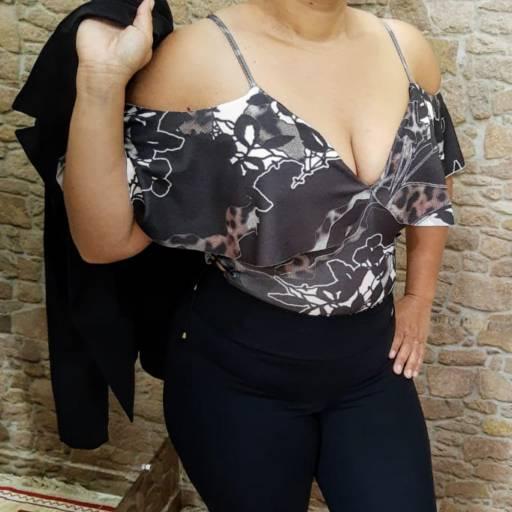 Comprar a oferta de BODY CIGANINHA (M)  em Moda Plus Size pela empresa Bella Plus em Botucatu, SP por Solutudo