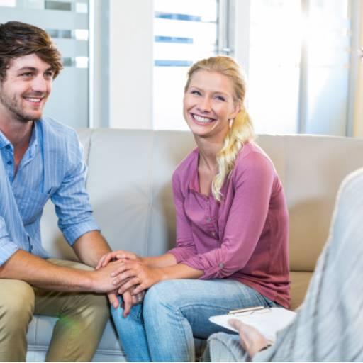 Comprar o produto de Terapia de casais em Psicologia pela empresa Clinica Moreno & Joaquim em Botucatu, SP por Solutudo