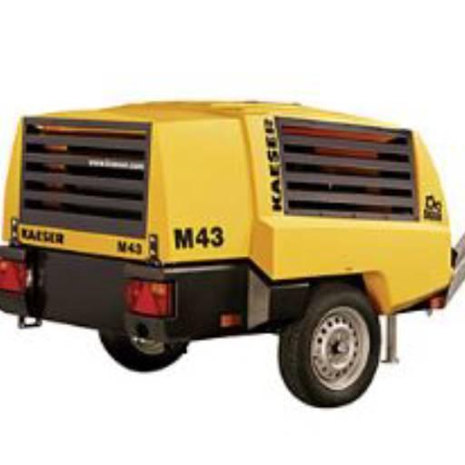 Compressor de Ar á Diesel c/ Rompedores Pneumáticos  por 3R Locação de Máquinas e Equipamentos